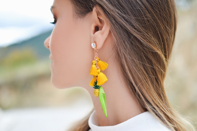 How to Style Earrings